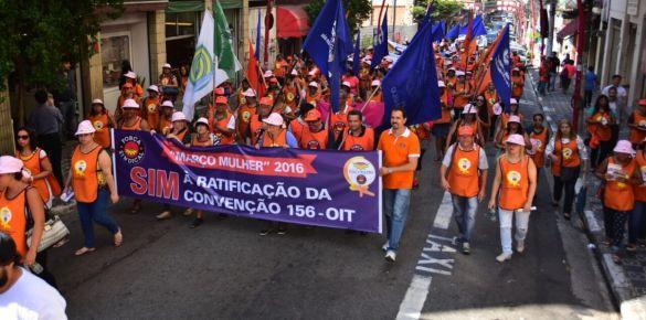 30/mar/2016 – Março Mulher – Trabalhadoras fazem caminhada contra reforma da previdência e a favor da igualdade de oportunidades