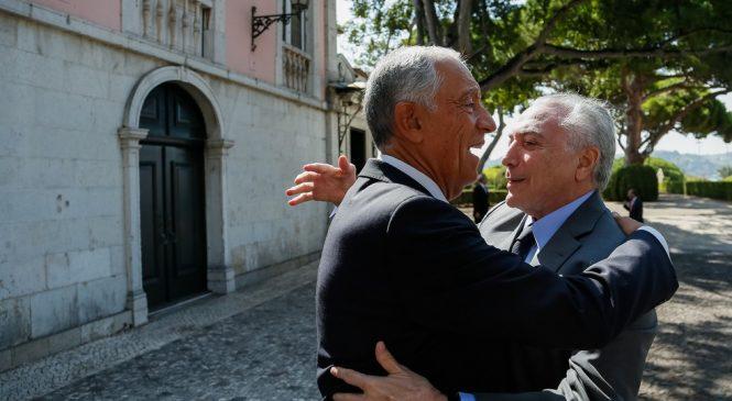 A caminho da China, Temer é recebido pelo presidente de Portugal em Lisboa